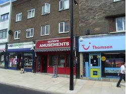HORNCHURCH - PRIME SHOP APPROX 942 SQ.FT. - TO LET