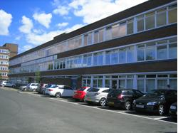 Second Floor Offices (with Parking) To Let in Poole
