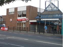 Broadwalk South, Dunstable, Bedfordshire