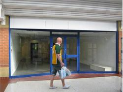 Chippenham Retail Property in Emery Gate Shopping Centre to Let