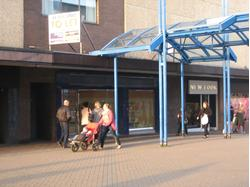 UNDER OFFER - REFURBISHED SHOP TO LET - 9 THE FORUM, STEVENAGE