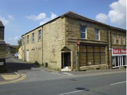 142, Blackmoorfoot Road, Huddersfield, HD4 5RE