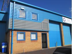 Modern Industrial/Warehouse Unit To Let in Poole