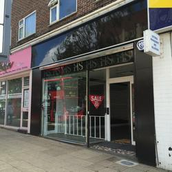 HORNCHURCH -Prominent shop Unit totalling 793 sq.ft - TO LET