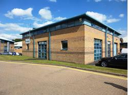DETACHED BUSINESS UNIT TO LET