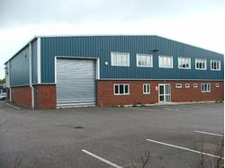 MODERN BUSINESS UNIT TAMWORTH ON SECURE SITE