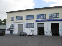 Modern Industrial Unit To Let in Poole