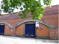 RAILWAY ARCH 1260 SQ/FT ON PERIPHERY OF MANCHESTER CITY CENTRE