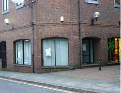 DUNSTABLE PROMINENT A1/A2 UNIT TO LET 353 ft² (32.75 m²)