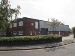 End of Terrace Industrial Unit with Offices To Let in Hamworthy