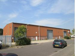 Industrial Premises with Secure Yard To Let in Hamworthy