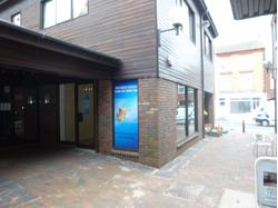 DUNSTABLE - SHOPPING PRECINCT LOCK-UP SHOP - TO LET - 358 sq ft – (33.26 sqm) - A ground floor lock-up shop forming part of an attractive shopping precinct