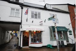Period lock up retail shop in Honiton High Street