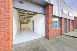 AVAILABLE AUGUST 2014-THE CLIPSTONE ESTATE-BUSINESS UNIT TO LET