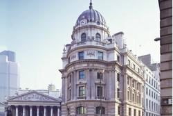1 Cornhill is an iconic landmark and a world-class serviced office address, situated next to Bank station, with Mansion House, Monument and Cannon Street nearby.