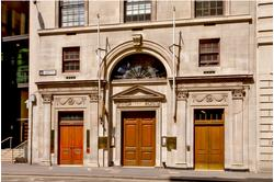 Leadenhall Street serviced offices are located directly opposite the world-famous Lloyd's of London in the capital's financial and insurance district.