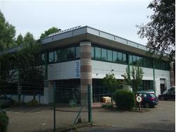 Detached Business/Storage Unit For sale/To let