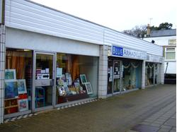 CAMBERLEY - A1 retail Lock Up Shop