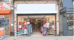 Shop to rent Golders Green Road, NW11 8EL