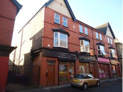 Ground Floor Retail Unit / Busy Main Road / Electric Roller Shutters 377 sq ft