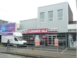 PROMINENT ROADSIDE RETAIL/SHOWROOM & WAREHOUSE PREMISES WITH PARKING