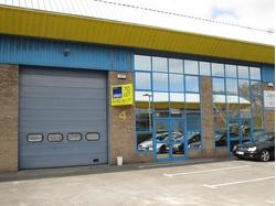 Modern Industrial/Warehouse Premises (with First Floor Offices & Parking) To Let in Poole