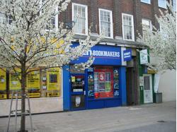 29 Castle Street, Kingston upon Thames.  Retail A1 To Let