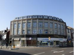 Prominent Corner A2 Shop to Let - available immediately
