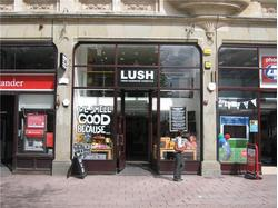 Retail Property To Let in Cardiff