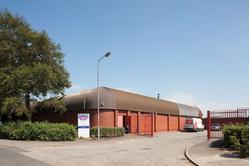 TO LET Very Prominent Trade Units 91 - 2,064 sq ft) NUNEATON INDUSTRIAL ESTATE GLASGOW