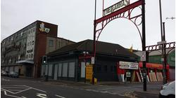 TO LET - FORMER PUBLIC HOUSE SUITABLE FOR RETAIL/SHOWROOM USE