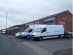 TO LET 43 Middlemor e Industrial Estate Middlemore Road, Smethwick, West Midlands, B21 0AY