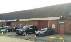 LONDON SE26 5BN: Industrial/warehouse unit  approx. 414.93 sq m (4,466 sq ft) plus parking for 8 cars.