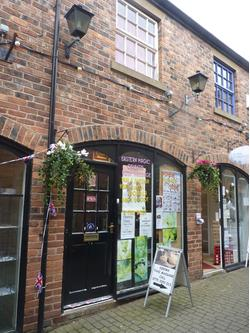 2 STOREY SHOP TO RENT IN WIGAN TOWN CENTRE