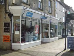 Retail unit occupying prominent high street location