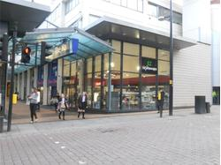 Shop to Let in the Mall Bromley
