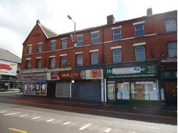 Ground Floor Empty Retail Unit in Old Swan / Currently Fitted out as a Hairdressers