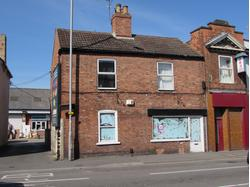 CP8833 Retail Premises With Residential Flat Above To Let In Newark