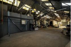 WAREHOUSE FOR LET