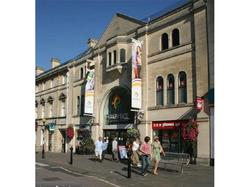 Retail Property in Chippenhams' Emery Gate Shopping Centre to Let