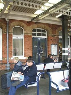 Doncaster Railway Station, Unit Fronting Platform 3, Doncaster, DN1 1PE