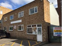 BUDGET BUSINESS/STORAGE UNIT TO LET - Mill Mead, Staines