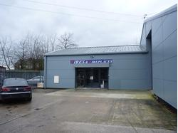 2200 SQFT SHOWROOM/TRADE COUNYTER TO RENT