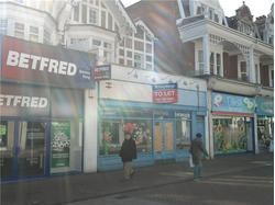 Shop in Prime Location near Sovereign Shopping Centre To Let