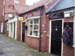 Small retail unit TO LET